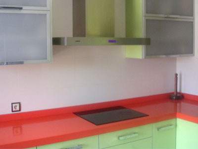 Fustería DIPEP | Muebles de cocina en color verde brillo ...