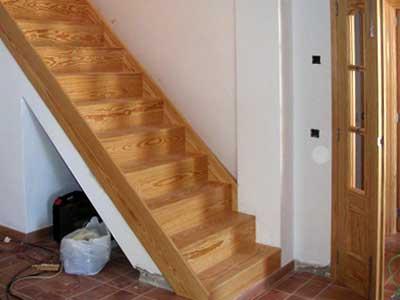 Carpinter a mallorca carpinter a dipep en palma for Como construir una escalera de madera para interior